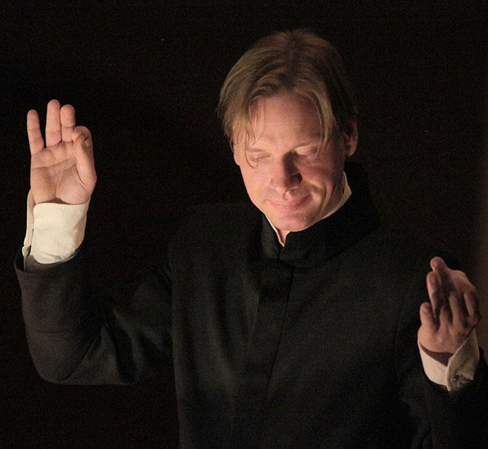 Stephan Höllwerth - Musiker aus Salzburg - Dirigent, Korrepetitor, Musiktheoretiker, Musikwissenschaftler, Autor, Referent, Moderator, Aufnahmeleiter und Projektkoordinator